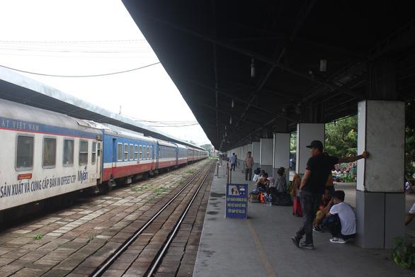 Tố cáo bảo vệ ga Sài Gòn nhận hàng chục triệu hứa mua vé tàu rồi biến mất - Ảnh 1.