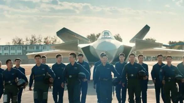 Trung Quốc thiếu phi công do sản xuất tiêm kích quá nhiều - Ảnh 1.
