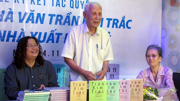 Vĩnh biệt nhà văn Trần Kim Trắc: Nhớ một ông già Nam Bộ viết văn - Ảnh 1.