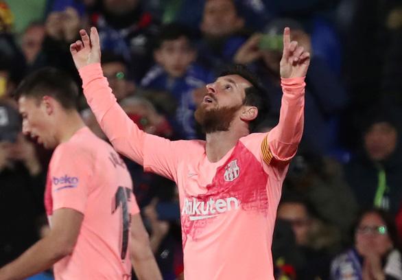 Song sát Messi - Suarez giúp Barca thẳng tiến - Ảnh 2.