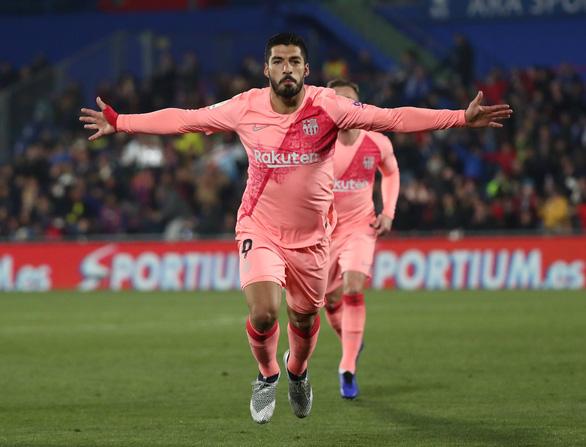 Song sát Messi - Suarez giúp Barca thẳng tiến - Ảnh 3.