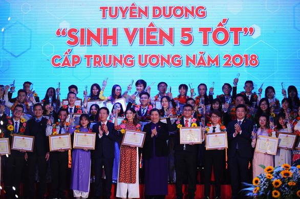Năm 2018 đạt kỷ lục số lượng Sinh viên 5 tốt - Ảnh 2.