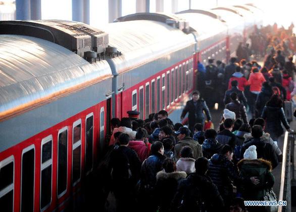 Đến mùa xuân vận, Bắc Kinh lo đối mặt các hành vi thiếu văn hóa - Ảnh 1.