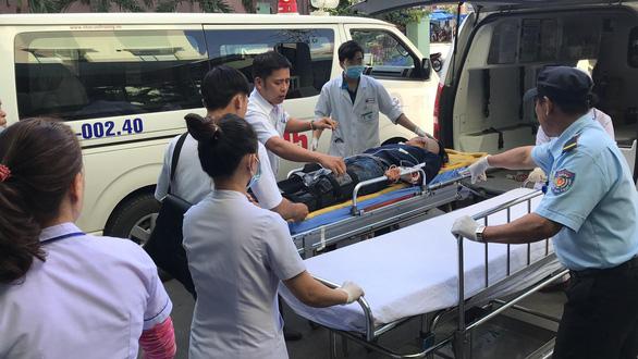 Hiện trường tai nạn xe chở sinh viên lao xuống vực đèo Hải Vân - Ảnh 5.