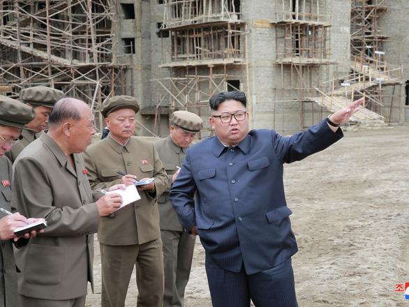 Ông Un đi lo kinh tế nhiều hơn xem tên lửa - Ảnh 8.