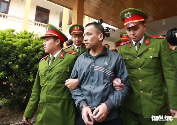 Nguyên giám đốc xuất hiện, BS Lương vắng mặt, hoãn phiên tòa chạy thận 9 người chết - Ảnh 3.
