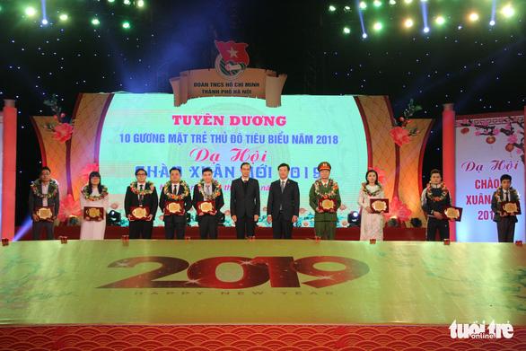 Cầu thủ Quang Hải và phó giáo sư trẻ nhất là Gương mặt trẻ thủ đô 2018 - Ảnh 3.