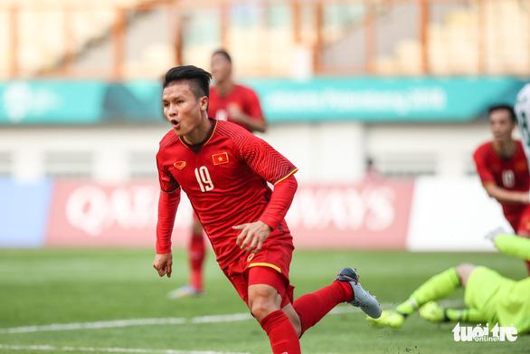 Cầu thủ Quang Hải và phó giáo sư trẻ nhất là Gương mặt trẻ thủ đô 2018 - Ảnh 1.