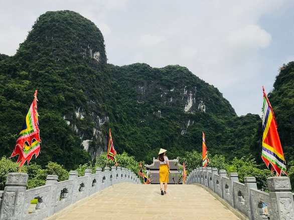 Về núi rừng hùng vĩ ở cố đô Ninh Bình - Ảnh 1.