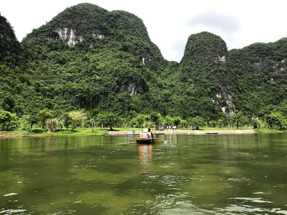 Về núi rừng hùng vĩ ở cố đô Ninh Bình - Ảnh 7.