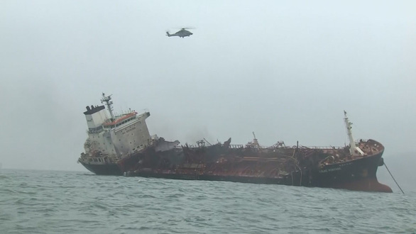 Vụ cháy tàu dầu: Đề nghị Hong Kong tìm kiếm thuyền viên mất tích - Ảnh 2.