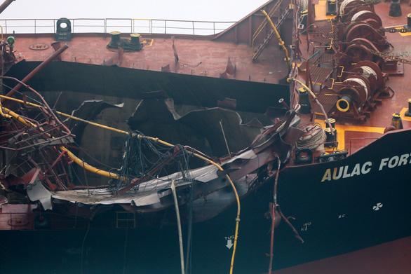 Vụ cháy tàu dầu: Đề nghị Hong Kong tìm kiếm thuyền viên mất tích - Ảnh 1.