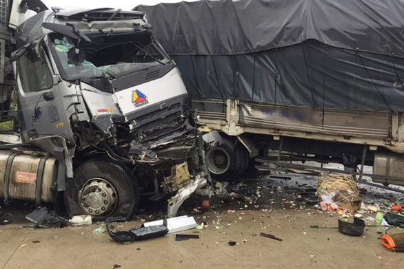 Không lẽ bó tay với tai nạn giao thông? - Ảnh 1.