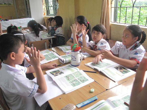Thiếu 76.000 giáo viên triển khai chương trình giáo dục phổ thông mới - Ảnh 2.