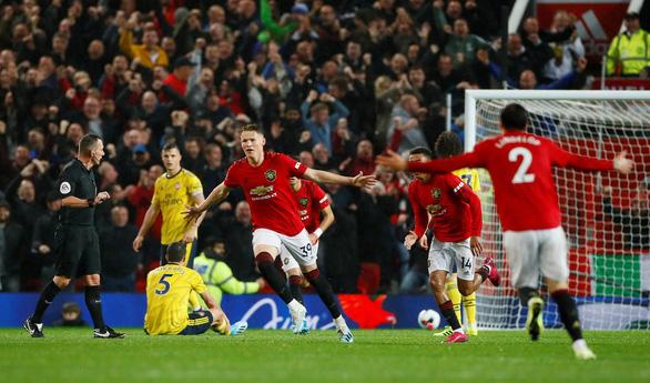 Bị Arsenal cầm hòa 1-1, Manchester United có khởi đầu tệ nhất trong 30 năm - Ảnh 2.