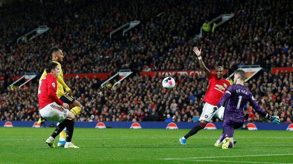 Bị Arsenal cầm hòa 1-1, Manchester United có khởi đầu tệ nhất trong 30 năm - Ảnh 3.
