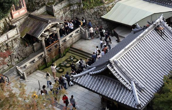 Nhật Bản: Du khách được nhắc nhở cách ứng xử qua điện thoại di động - Ảnh 1.