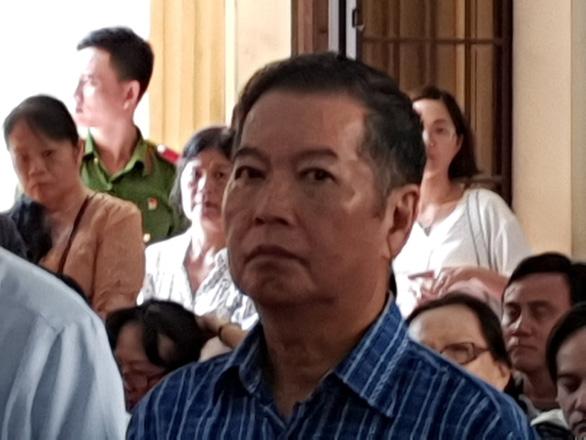 Nguyên tổng giám đốc Công ty Xổ số Đồng Nai hầu tòa vì bị cáo buộc tham ô - Ảnh 3.