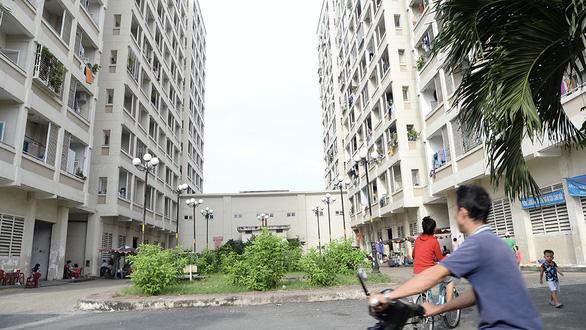 Mua bán nhà chung cư ở TP.HCM bị tắc vì thiếu công thức tính giá - Ảnh 1.