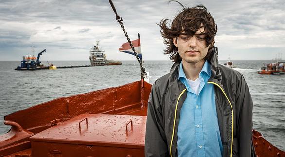 Chàng trai 24 tuổi Boyan Slat đã dọn được rác đại dương - Ảnh 2.