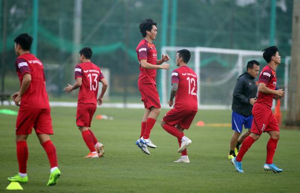 Việt Nam - Malaysia: Thầy đấu trí, trò đấu sức - Ảnh 1.