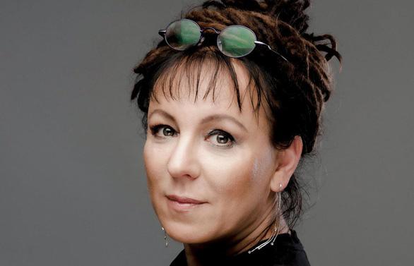 Hai nhà văn châu Âu đoạt giải Nobel Văn chương 2018 và 2019 - Ảnh 2.