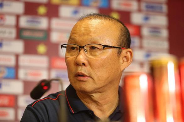 HLV Park Hang Seo: Tôi tự hào được dẫn dắt các cầu thủ Việt Nam - Ảnh 1.