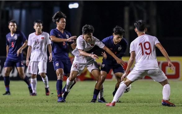 Ghi bàn phút bù giờ, U19 Việt Nam đánh bại U19 Thái Lan ở Bangkok Cup - Ảnh 3.