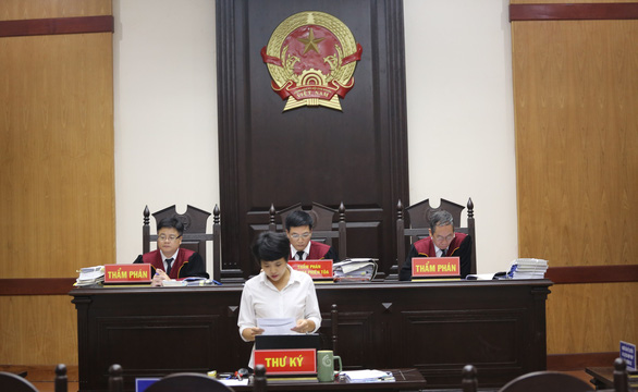 Hoãn phiên tòa phúc thẩm vụ tranh chấp vở diễn Tinh hoa Bắc Bộ - Ảnh 1.