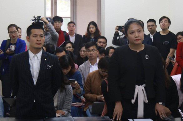 Hoãn phiên tòa phúc thẩm vụ tranh chấp vở diễn Tinh hoa Bắc Bộ - Ảnh 3.