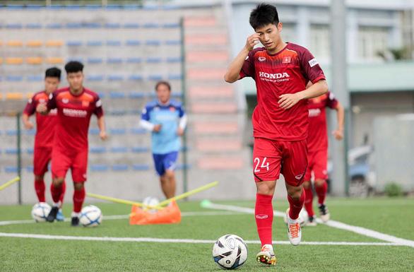 Ông Park Hang Seo muốn biến Trọng Hùng thành Phan Văn Đức mới  - Ảnh 1.