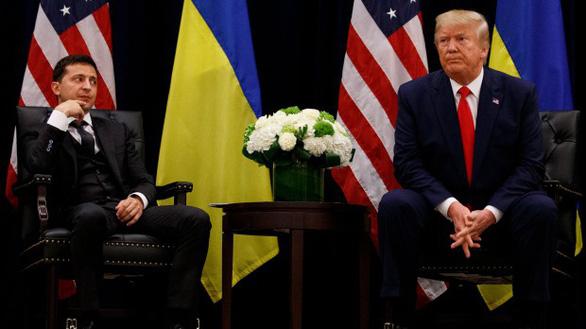 Tổng thống Ukraine lên tiếng về cuộc điện đàm gây chấn động với ông Trump - Ảnh 1.