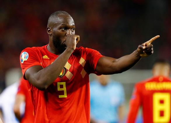 Lukaku lập cú đúp, Bỉ giựt vé đầu tiên dự vòng chung kết Euro 2020 - Ảnh 1.
