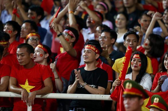 FOX Sports khen Quang Hải, nhận định Việt Nam vượt trội Malaysia - Ảnh 2.