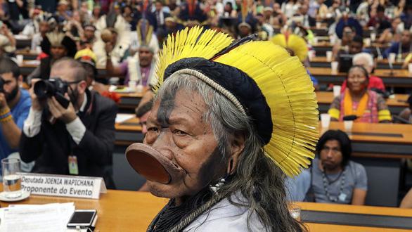 Thủ phạm hủy diệt sự sống - Kỳ 5: Câu chuyện tù trưởng rừng Amazon - Ảnh 1.