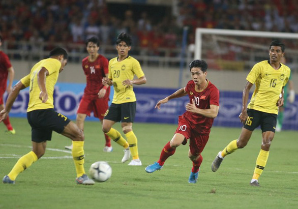 Huấn luyện viên Tan xuất hiện: Malaysia thua Việt Nam do đá dưới sức mình - Ảnh 1.