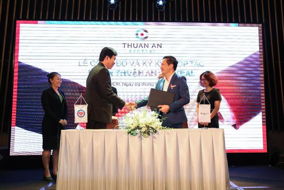 CenLand và Lê Phong ký kết hợp tác phát triển dự án Thuận An Central - Ảnh 1.