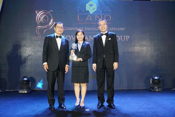Novaland nhận giải thưởng doanh nghiệp Việt Nam xuất sắc châu Á 2019 - Ảnh 1.  Novaland nhận giải thưởng doanh nghiệp Việt Nam xuất sắc châu Á 2019 photo 1 15707822225861152584804
