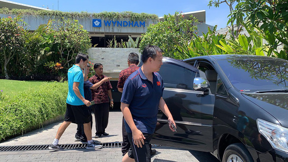 Đưa Tuấn Anh đi kiểm tra chấn thương ở Bali - Ảnh 3.