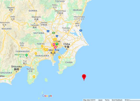 Tơi bời với siêu bão Hagibis, Nhật còn rung chuyển trong động đất - Ảnh 1.