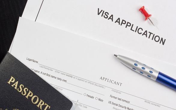 Thái Lan bổ sung điều kiện cấp thị thực lưu trú dài hạn - Ảnh 1.