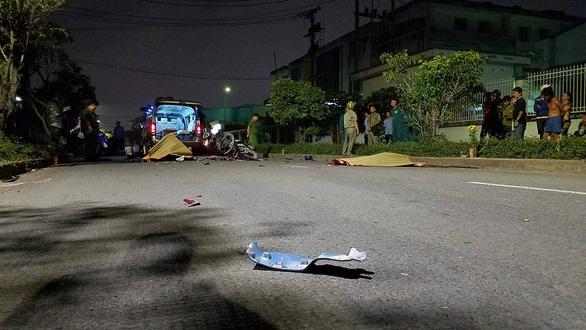 Chạy xe máy trong đường nội bộ với tốc độ cao, 2 thanh niên chết tại chỗ - Ảnh 3.