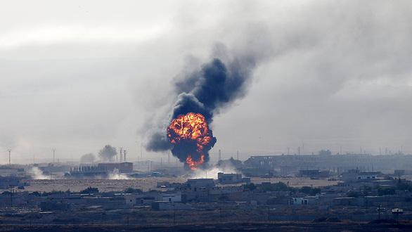 Thổ tấn công người Kurd, EU lo lắng - Ảnh 1.