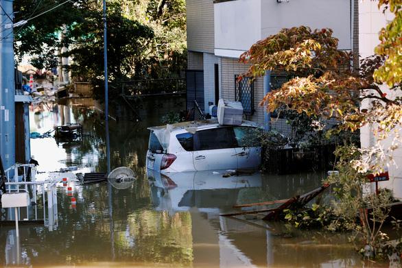 Siêu bão Hagibis suy yếu, Nhật lại đối mặt nguy cơ lũ lụt - Ảnh 2.