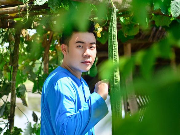 Hamlet Trương ra MV Chị Hai mừng ngày Phụ nữ Việt Nam - Ảnh 2.