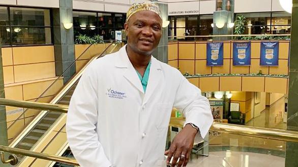 Câu chuyện một bác sĩ phẫu thuật Mỹ gốc Phi - Ảnh 1.