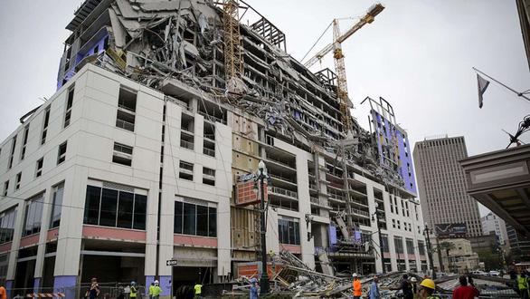 Tòa nhà Mỹ vỡ vụn như bánh tráng khi đang thi công - Ảnh 1.