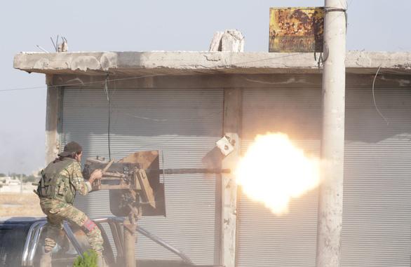 Mỹ sẽ trừng phạt kinh tế sấm sét với Thổ Nhĩ Kỳ vì tấn công người Kurd - Ảnh 1.