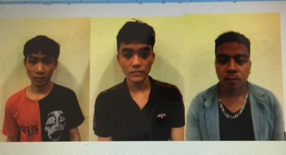 Ba thanh niên tự xưng cảnh sát hình sự, hành hung và cướp điện thoại - Ảnh 1.