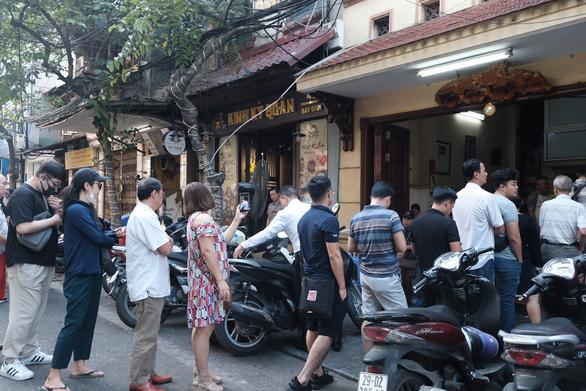 Đến Hà Nội, đừng bỏ qua ba quán phở trứ danh này - Ảnh 5.